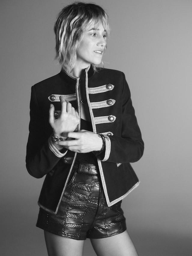 Charlotte Gainsbourg na campanha de verão 2019 da Saint Laurent (Foto: Divulgação)