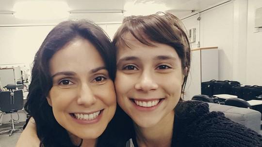 Mãe e filha na trama, Aline Fanju e Daphne Bozaski comemoram parceria dentro e fora das telas