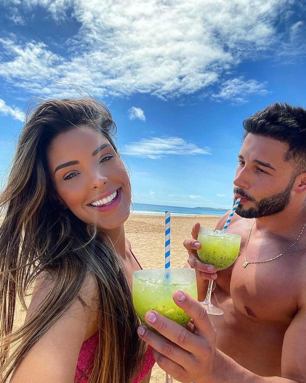 Ivy Moraes, do 'BBB20', e o namorado, Nando Borges — Foto: Reprodução/Instagram