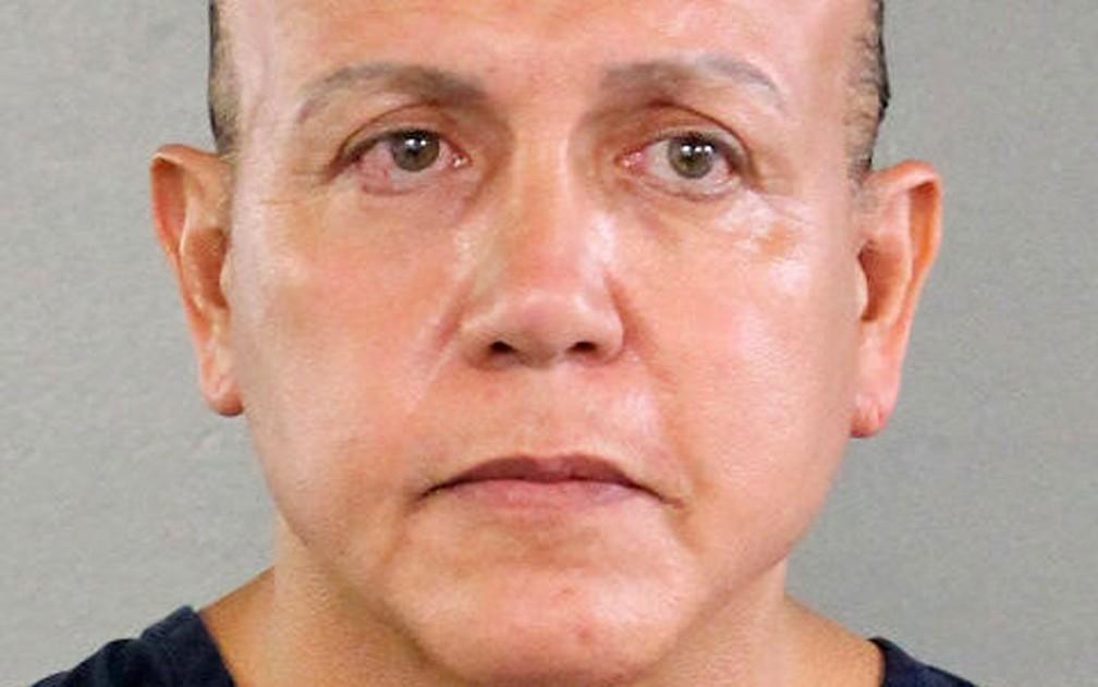 Cesar Altieri Sayoc, acusado de enviar pacotes-bomba a políticos nos EUA, em foto de agosto de 2015 — Foto: Broward County Sheriff's Office/Handout via Reuters