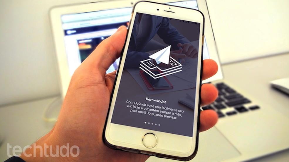 Aprenda a usar o app Go2Job para criar currículos no iPhone (Foto: Helito Bijora/TechTudo)