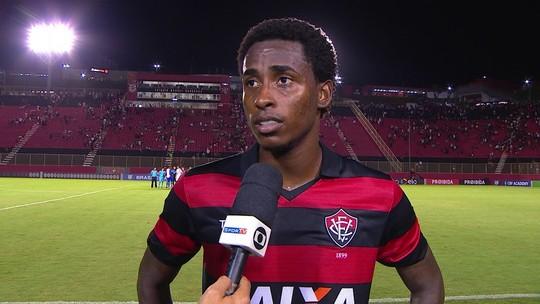 """Denílson reclama após empate com o Flamengo: """"Enceraram muito o jogo"""""""