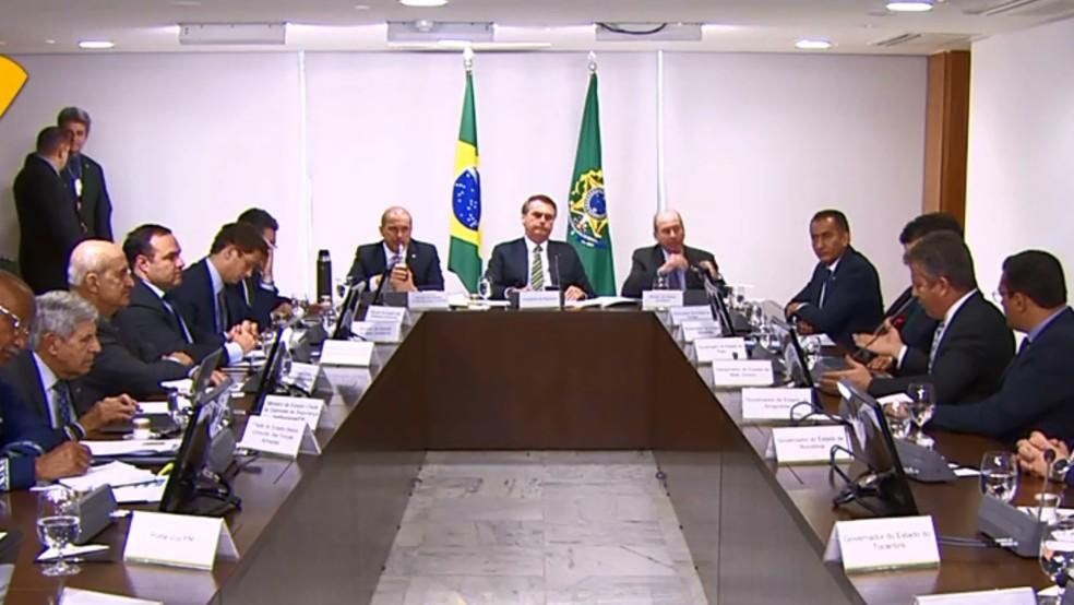 Bolsonaro comanda reunião no Palácio do Planalto com governadores da Amazônia — Foto: Reprodução/EBC