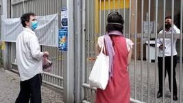 Portões do Enem estão fechados para prova; SIGA (Vivian Reis/G1)
