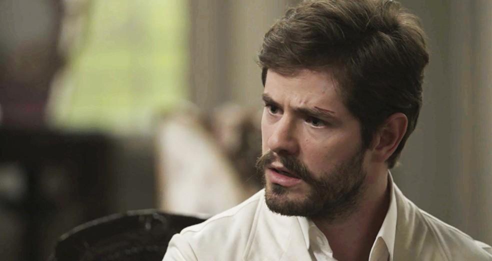 Camilo se decepciona mais uma vez com Julieta (Foto: TV Globo)