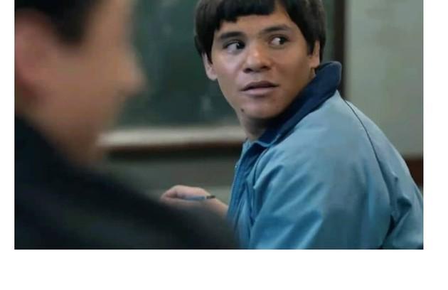 Indígena, Adanilo interpretá um estudante que tem dificuldade em se adaptar culturalmente (Foto: Reprodução)