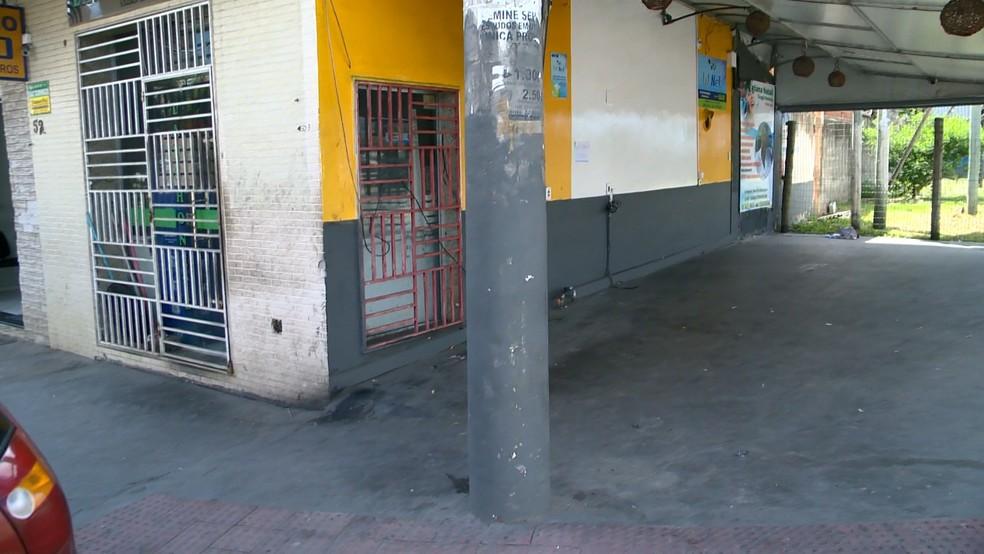 Bar onde Dyego estava na Serra antes de ser morto — Foto: Reprodução/ TV Gazeta