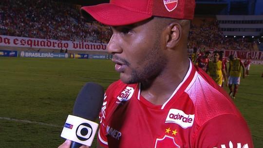 Diante do maior público do Vila, Wellington Reis exalta apoio e diz que time correspondeu à altura