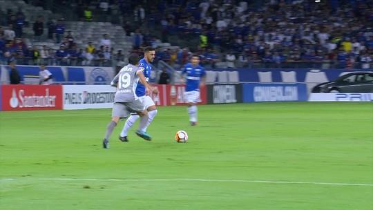 Eleito melhor em campo, Lucas Silva deixa permanência no Cruzeiro em dúvida