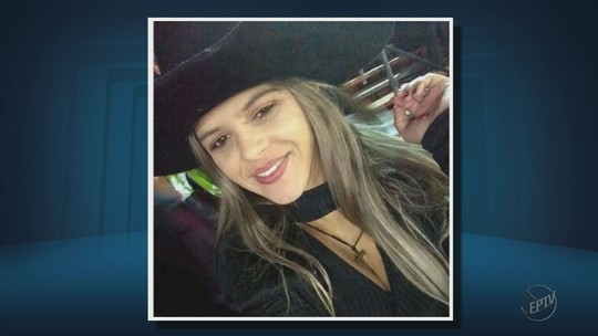 Mulher de 29 anos morre após carro de luxo sair da pista e cair em vala em Botelhos, MG