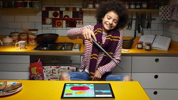 Empresa cria varinha de Harry Potter que ensina programação para crianças (Foto: Divulgação)