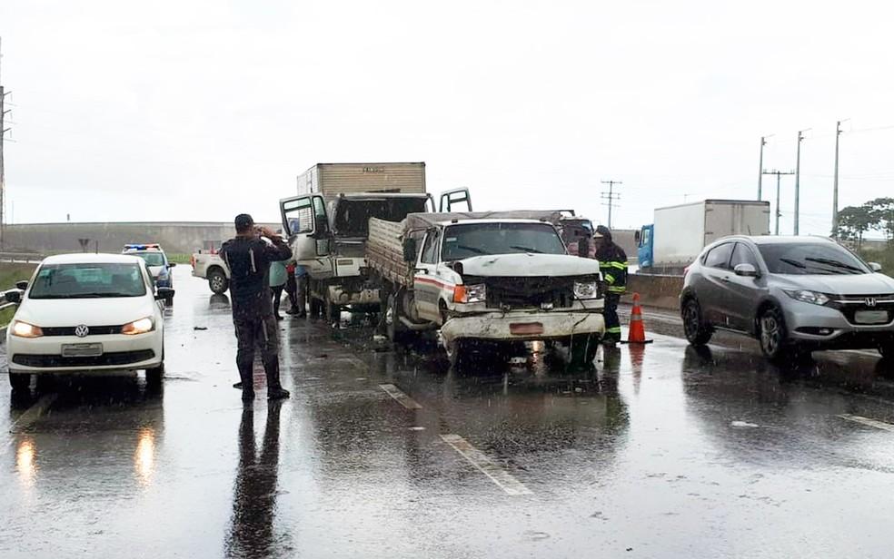 Acidente na CIA-Aeroporto deixa 4 feridos e causa congestionamento (Foto: Divulgação/Bahia Norte)