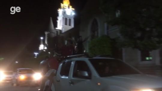 Afogados faz carreata para comemorar vaga na Série D; vídeo