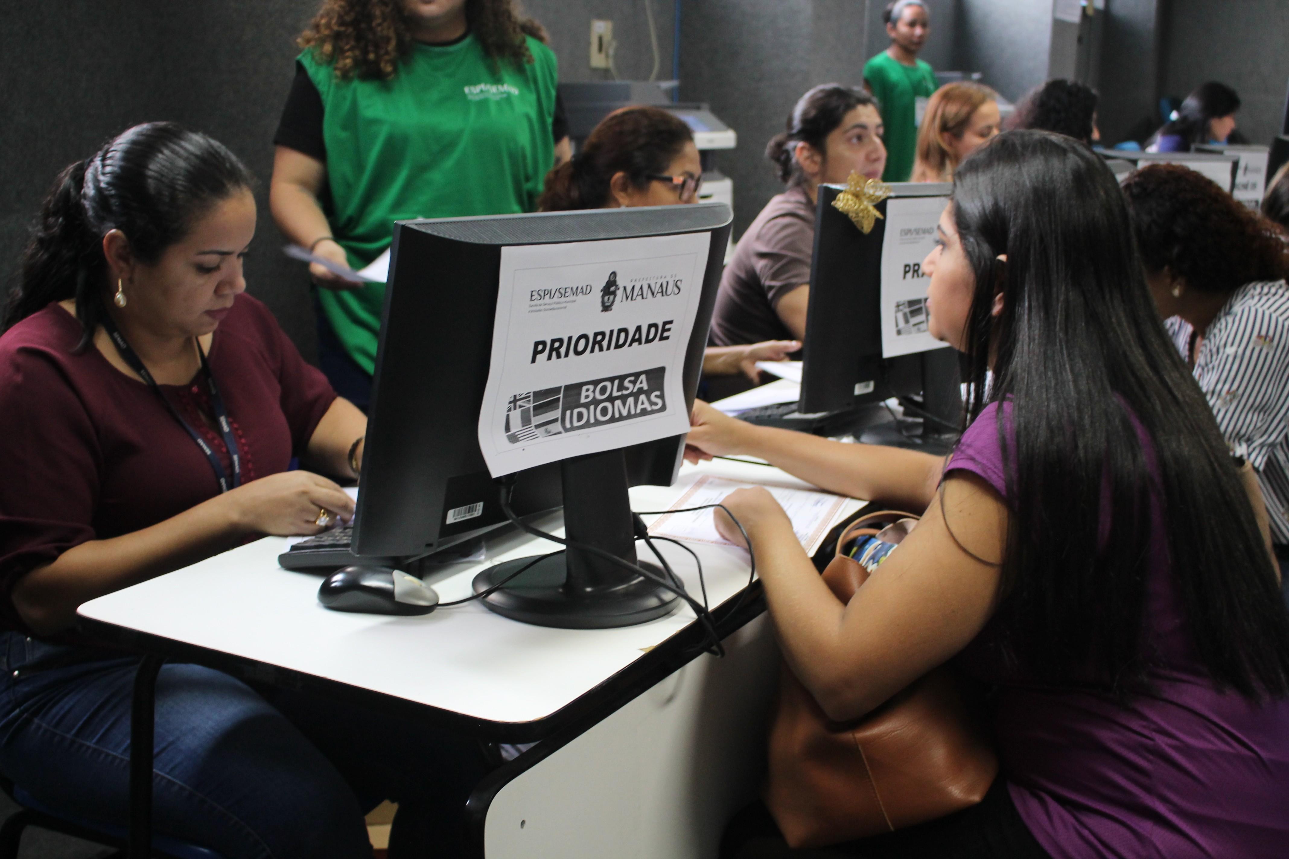 Prazo para entrega de documentação do Bolsa Idiomas termina nesta quinta-feira (18), em Manaus - Notícias - Plantão Diário