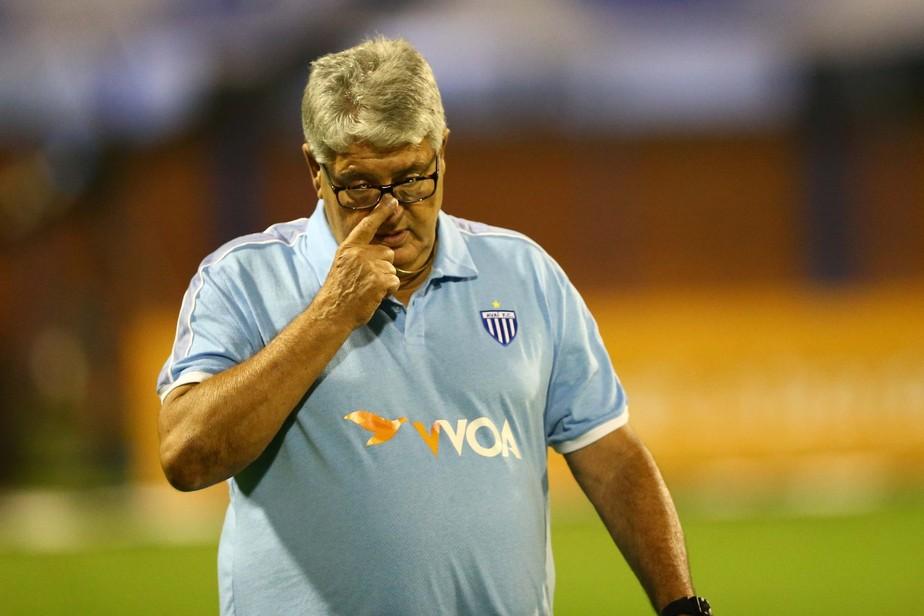 Em jejum de 12 jogos sem vitórias, Avaí anuncia saída de Geninho
