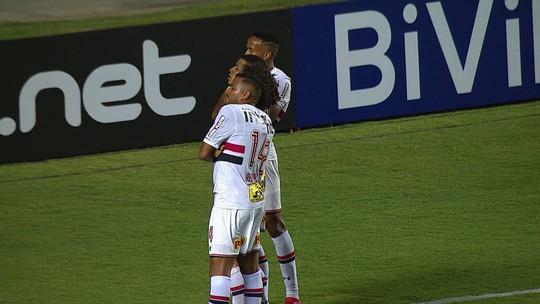 Gol do São Paulo! Militão tabela com Cueva e marca o segundo, aos 41 do 1º tempo