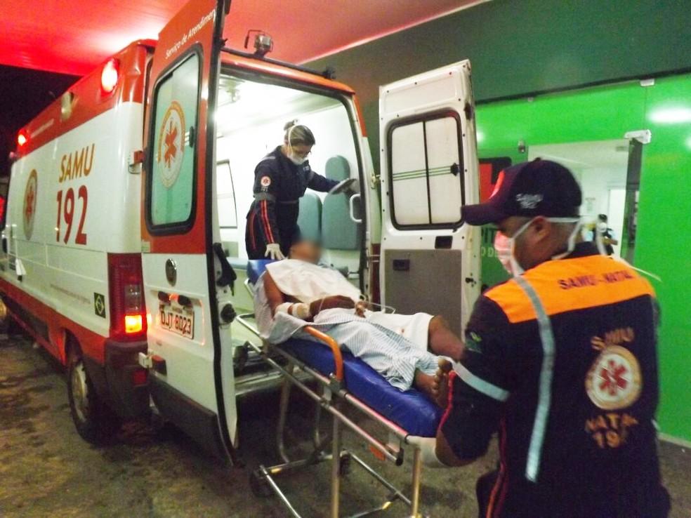 Assaltante ferido foi transferido da UPA para o hospital Tarcísio Maia (Foto: Wilton Alves/Mossoró 190)