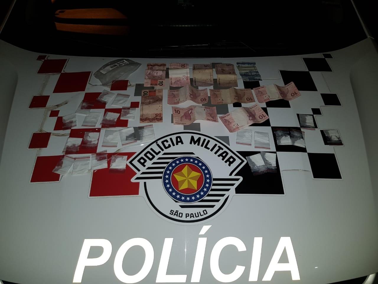 Polícia encontra porções de cocaína e dupla é presa por tráfico de drogas em Guareí