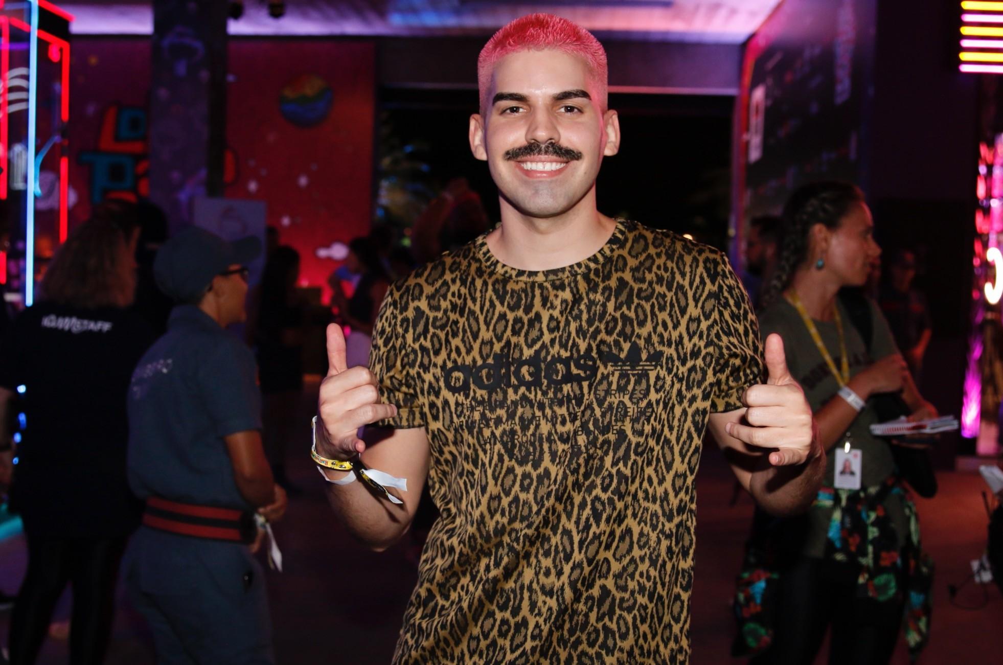 Mateus Carrilho é uma das atrações da 18ª Parada LGBT em Aracaju - Notícias - Plantão Diário