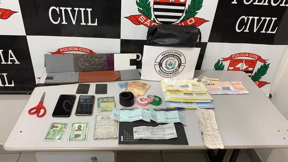 Material apreendido no carro dirigido por Piá  — Foto: Guarda Municipal de Cordeirópolis