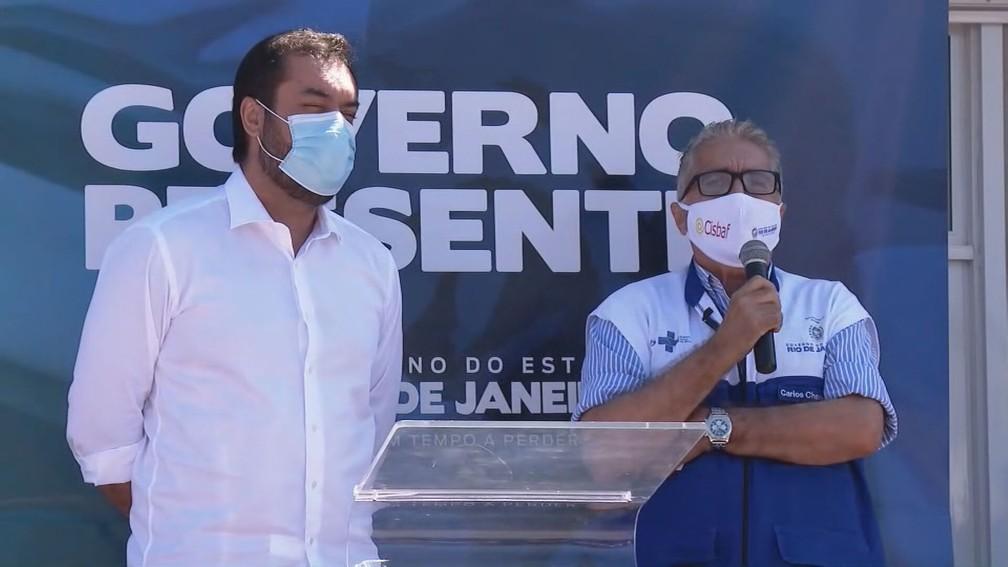 Governador Cláudio Castro (esquerda) e secretário de Saúde, Carlos Alberto Chaves  — Foto: Reprodução