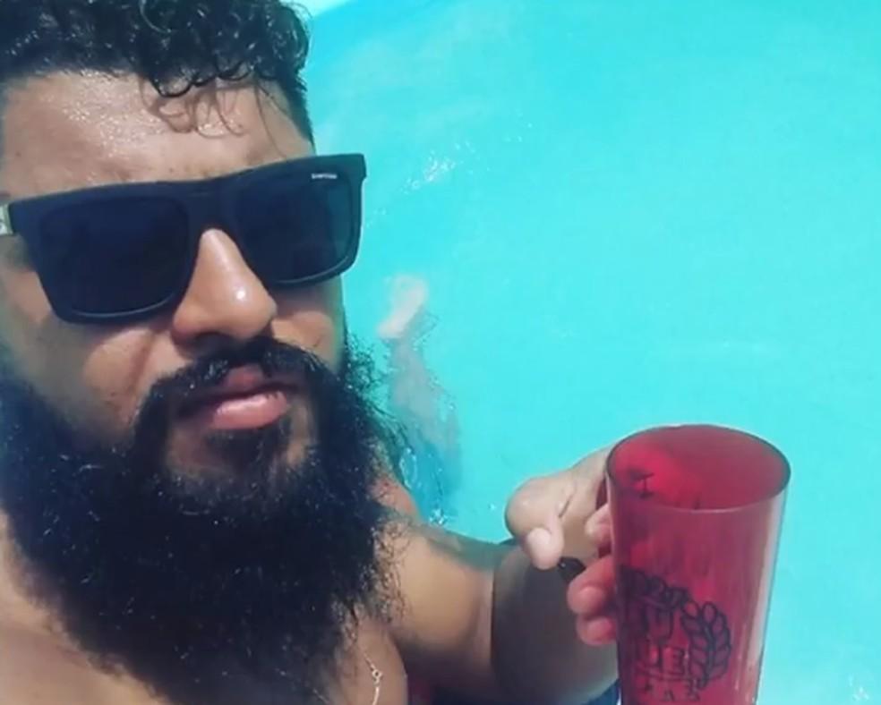 Lucas foi morto a tiros em bar no bairro do Imbuí, em Salvador — Foto: Reprodução / TV Bahia