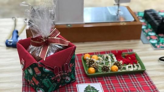 Aprenda a fazer porta-panetone para deixar mesa de Natal mais charmosa