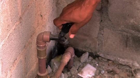 Falta de água encanada prejudica moradores de povoado em São José da Tapera, AL