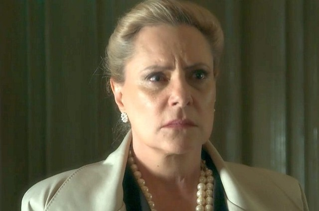 Elizabeth Savala é Mirtes (Foto: TV Globo)