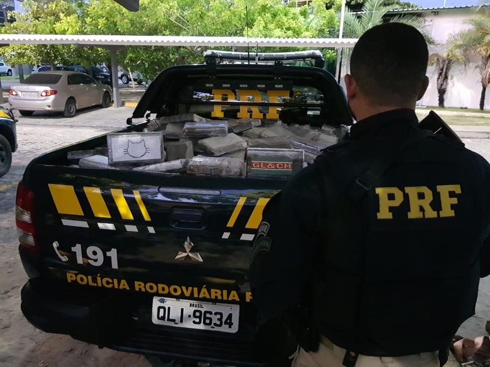Mais de meia tonelada de cocaína apreendida no Sertão de Alagoas — Foto: Ascom/PRF-AL