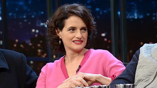 Denise Fraga comenta como é interpretar Galileu no teatro