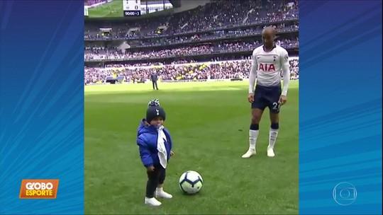 Lucas Moura faz três gols pelo Tottenham, mas quem dá show é o filho dele, Miguel