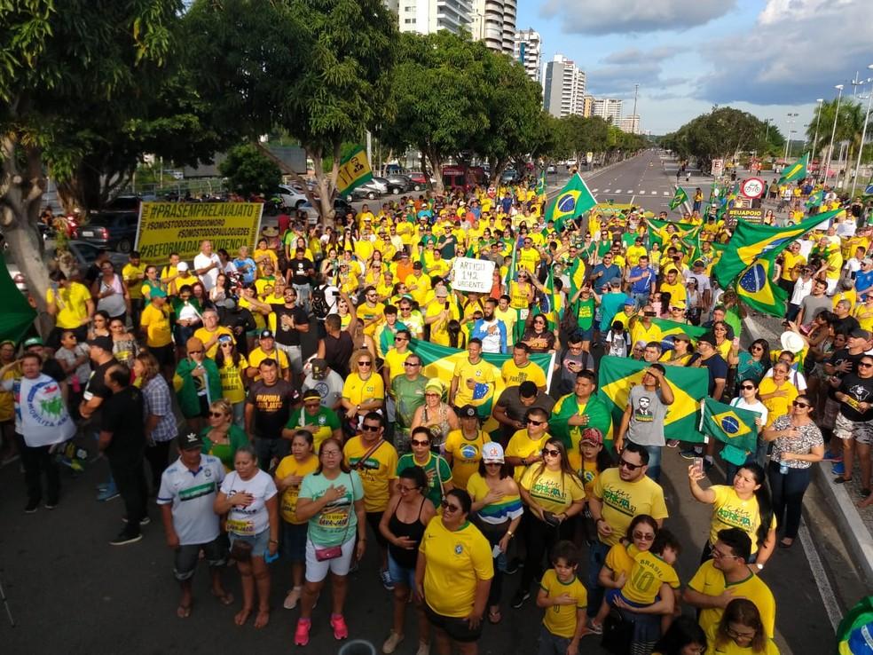 MANAUS, um dos grupos se concentrou na Ponta Negra, na Zona Oeste de Manaus — Foto: Ive Rylo/G1 AM