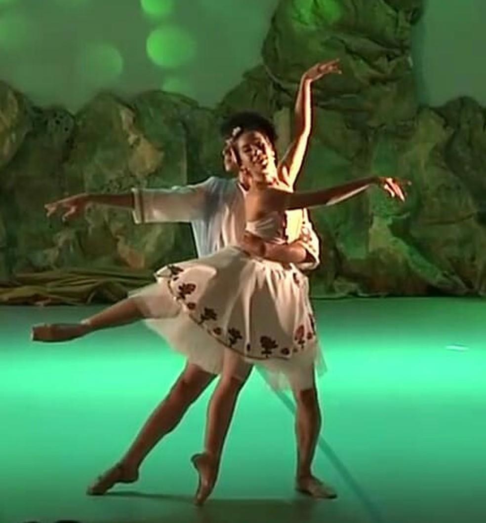 'O Despertar de Flora' é atração do Dançando nas Dunas neste sábado — Foto: Divulgação