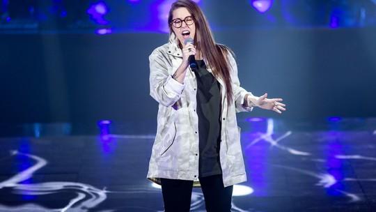 Luana Berti fala de releituras musicais e brinca sobre cantadas: 'Credo, que delícia'