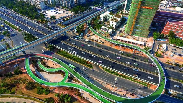 Ciclovia na China tem capacidade de receber até 2 mil bicicletas na hora de maior tráfego (Foto: Reprodução/Bycs.org)