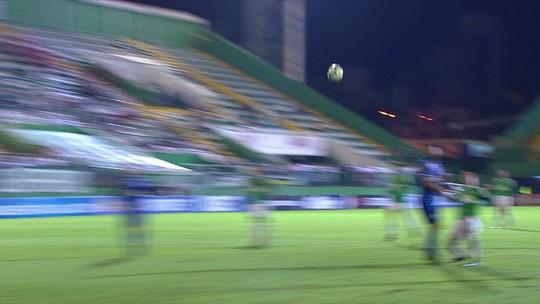 """Marquinhos Santos se despede com """"coração ferido"""" e exalta aprendizado na Chapecoense"""