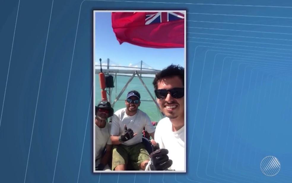 Velejadores brasileiros foram presos na África — Foto: Reprodução/TV Bahia