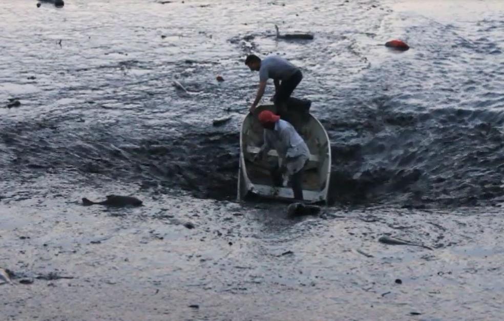 Represa de clube em Franca se esvazia e barco com funcionários é sugado (Foto: Palavra Fácil Comunicação/Divulgação)