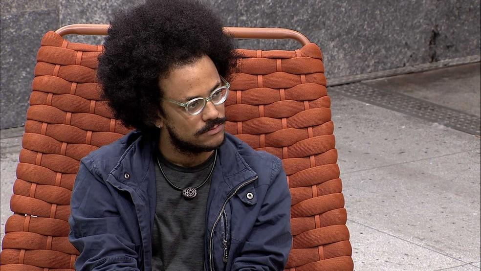 No BBB21, João Luiz desabafa sobre situação com brother: 'É algo que sempre toca na minha ferida' — Foto: Globo