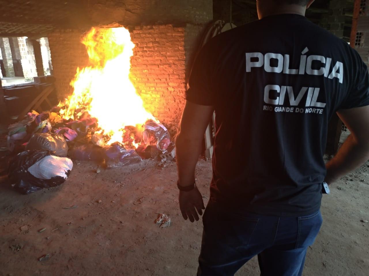 Polícia Civil incinera 52 mil bonés falsificados na Grande Natal - Notícias - Plantão Diário