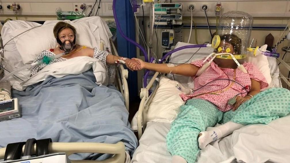 Maria Rico e sua filha Anabel Sharma foram admitidas no hospital Leicester Royal no mesmo dia — Foto: Anabel Sharma via BBC