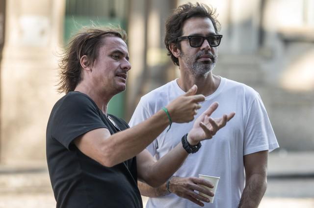 Felipe Joffily e Bruno Mazzeo, diretor e autor de 'Filhos da pátria' (Foto: Paulo Belote/TV Globo)