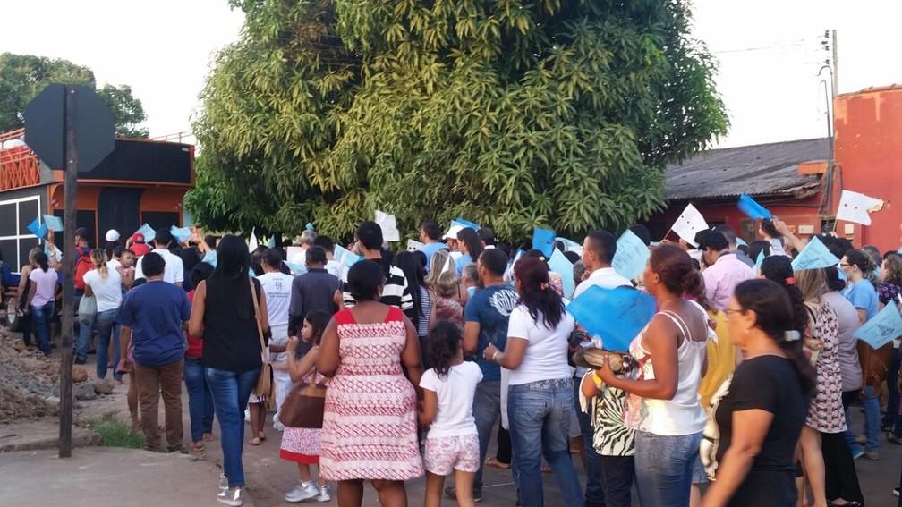 Procissão de fiéis em Porto Velho (Foto: Rose Lopes/G1)