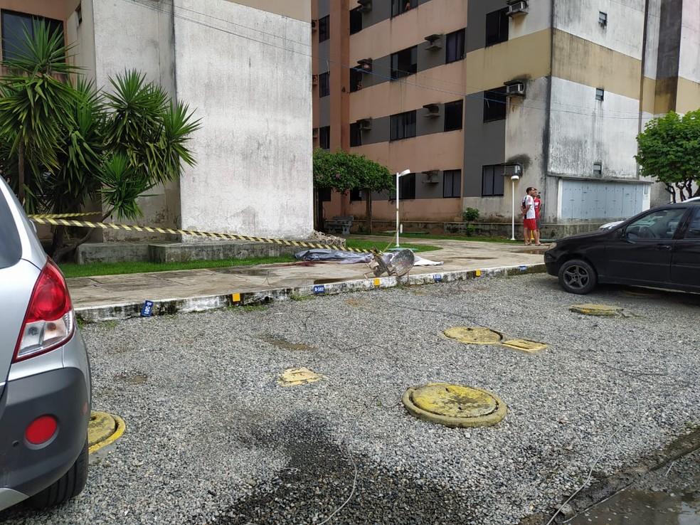 Homem morre após levar um choque elétrico e cair de um prédio em Maceió, Alagoas — Foto: Jader Ulisses/Arquivo pessoal