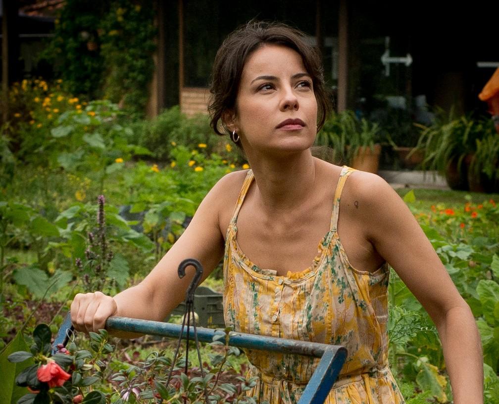 Andréia Horta como protagonista do filme 'O Jardim Secreto de Mariana' — Foto: Divulgação/Mariana Vianna