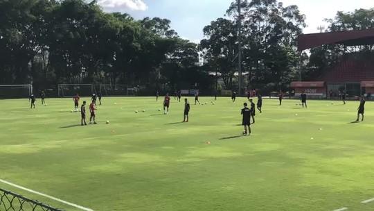 Jardine usa novas marcações no campo em treino do São Paulo