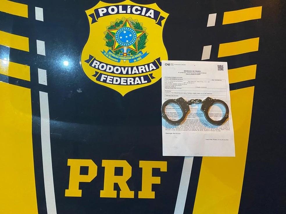 PRF dá cumprimento à mandados de prisão preventiva no Piauí — Foto: Divulgação/PRF