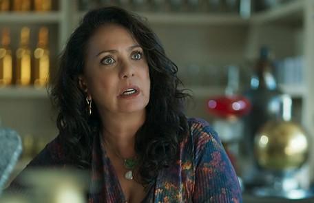 Na sexta (3), Rania revelará que é mãe de Soraia (Letícia Sabatella) e sofrerá ao saber da morte da filha  Reprodução