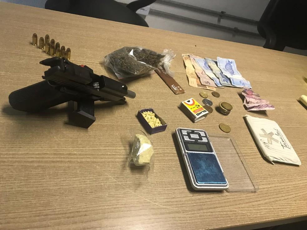 Resultado de imagem para Suspeito de tráfico é preso com drogas e arma dentro de mercado público na PB